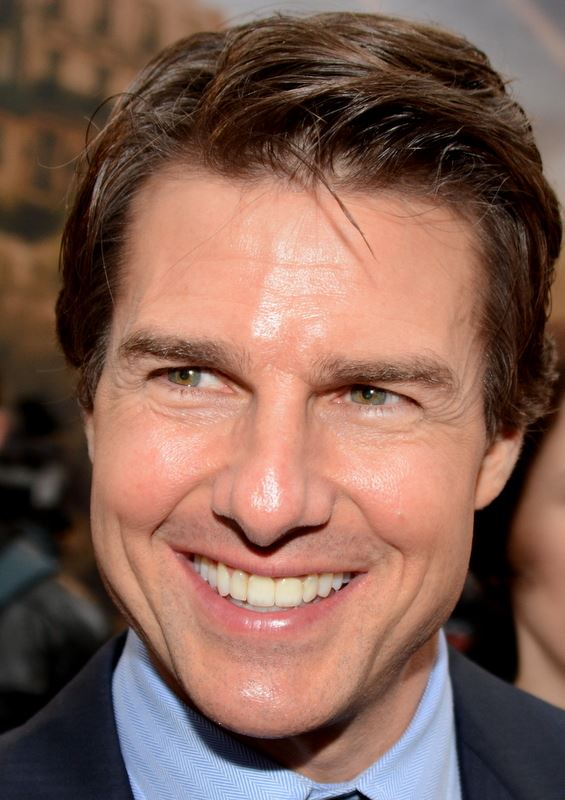 Tom Cruise: tall.